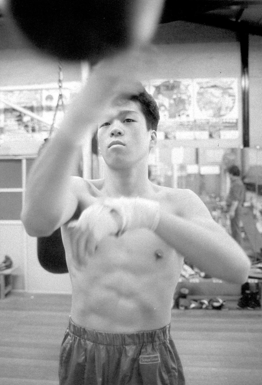1987年10月9日=大阪帝拳ジム まだアマチュア時代だったが動き出すと、オーラが発散した。