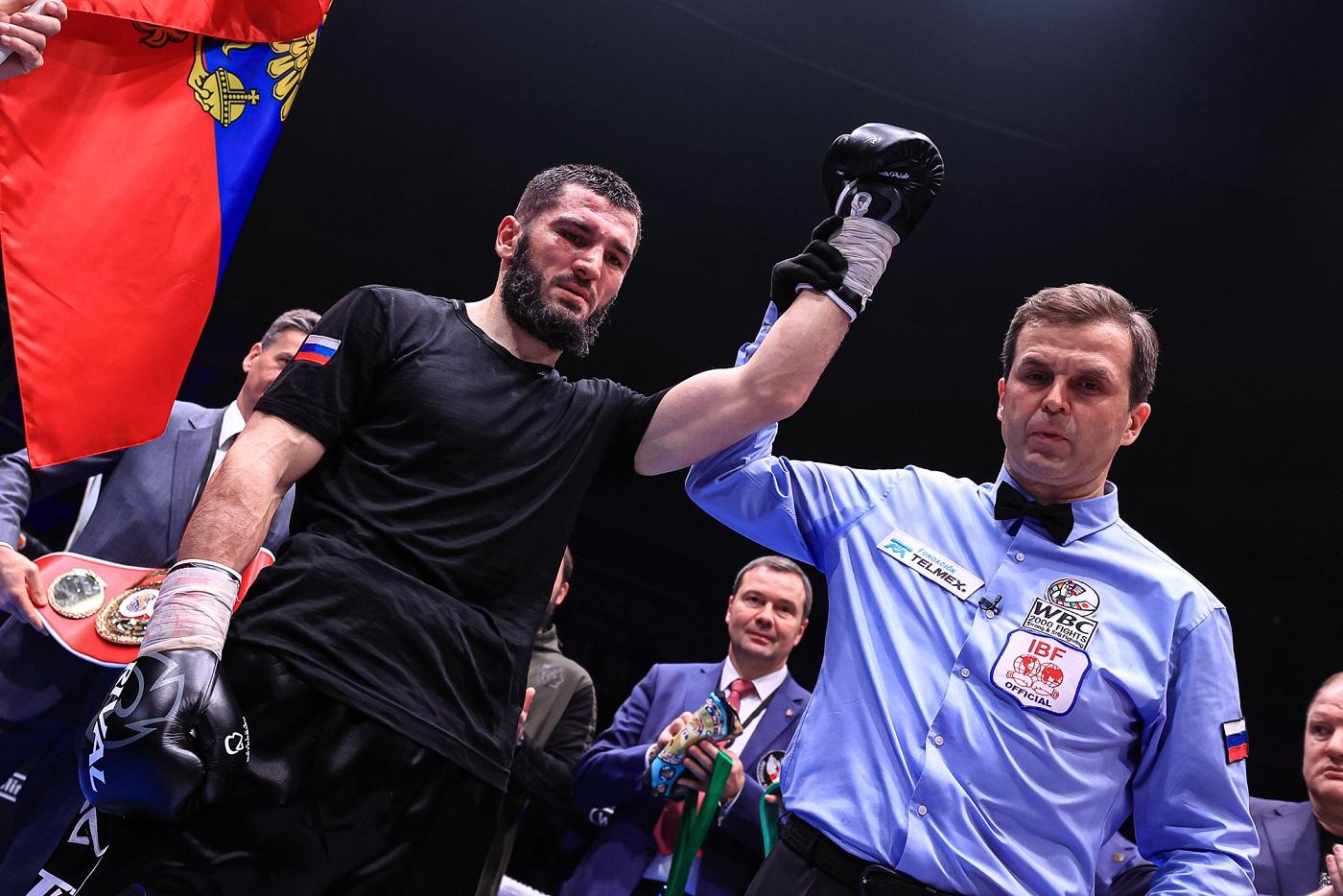 プロになって初めてロシアで勝利したチャンピオンは感無量の表情