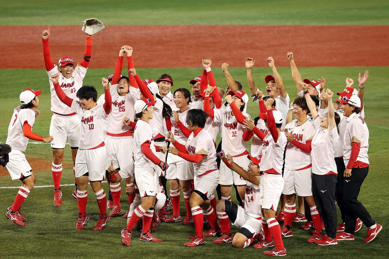 日本代表チーム全員で13年ぶりの連覇をつかみ取った(Getty Images)